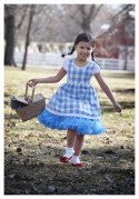 family Halloween costumes dorothy